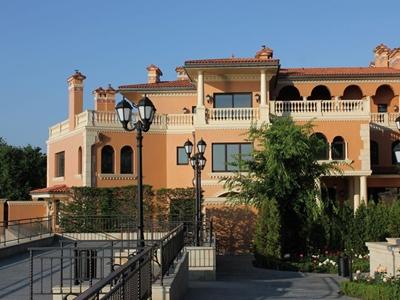 Комплекс обслуживаемых резиденций «Золотой Берег»